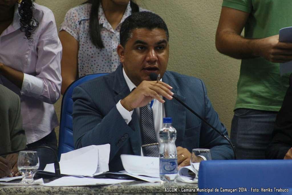 Oziel deverá recorrer da decisão da Justiça que o afastou da Câmara de Camaçari