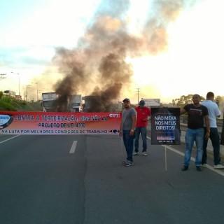 manifestação via parafuso (6)