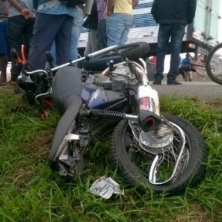 MULHER MORRE NA BR-116 ACIDENTED E MOTO