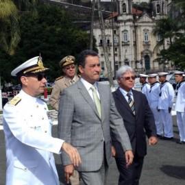 rui recebe homenagem da marinha no dois de julho