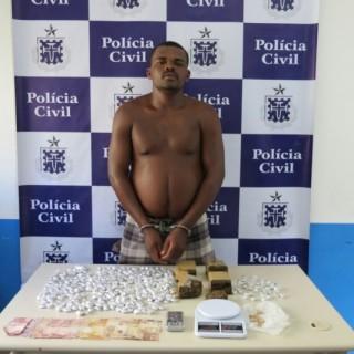 BANDIDO PRESO COM DROGAS EM FEIRA