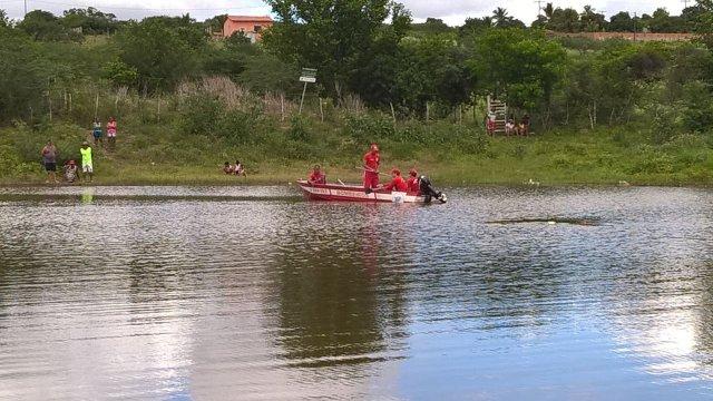 Resultado de imagem para afogamento corpo de bombeiros procurado corpo