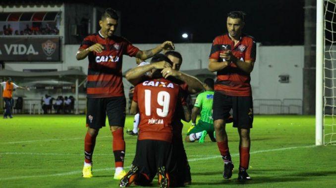 Jogadores do Vitória começaram o ano com fome de gols. Foto  Maurícia da  Matta EC Vitória 9abf417a90eda