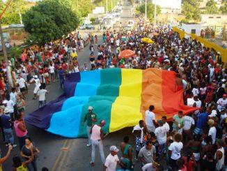 Parada Gay Simões Filho