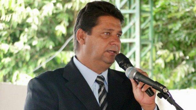 Resultado de imagem para foto ex prefeito Rogério Andrade de Oliveira, 44 anos