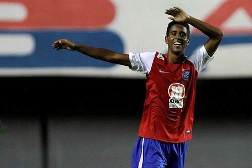 Flamengo confirma acerto e zagueiro Donatti vai para o Tijuana
