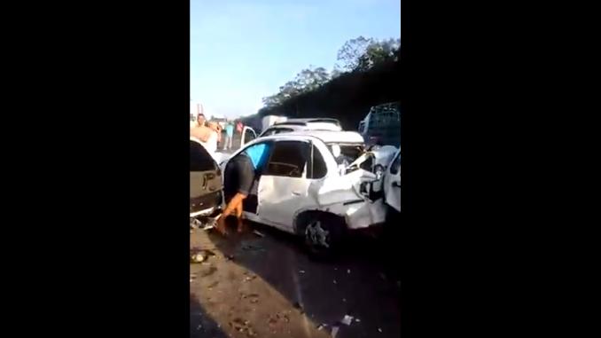 Acidente Santana Lopes: Vídeo: Acidente Congestiona BR-324 Nesta Manhã (03