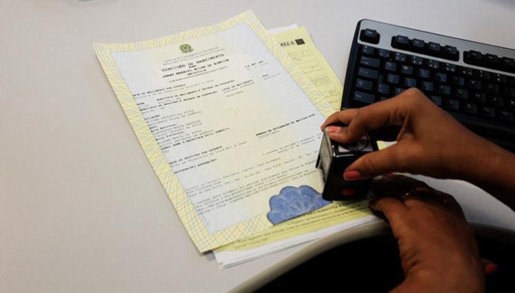 Mudanças nas certidões de nascimento, casamento e óbito entram em vigor hoje (21)