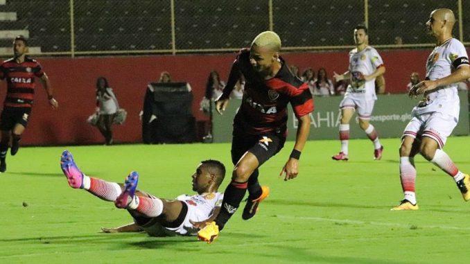 O atacante Neilton foi o destaque da partida fazendo um gol e dando uma assistência para gol