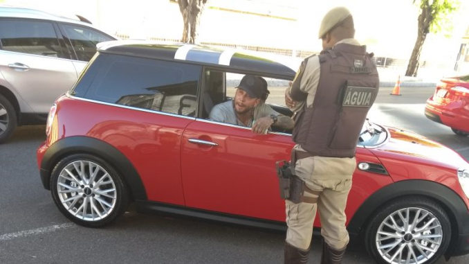 Igor Kannário tem CNH e carro apreendidos durante blitz