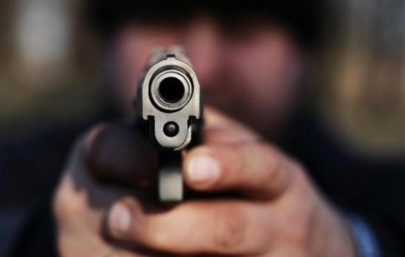 Homem é morto a tiros próximo ao Mercado Municipal de Simões Filho