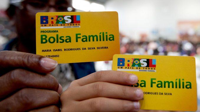Resultado de imagem para Bolsa Família tem reajuste de 5,67%,