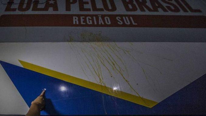 Perícia confirma que ônibus da caravana de Lula recebeu dois tiros