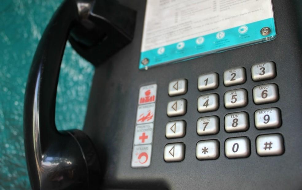 Ligações de orelhão podem ser realizadas de graça para fixo e celular