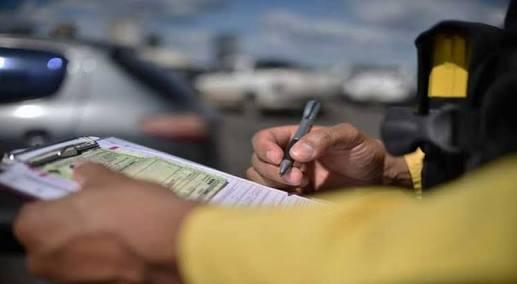 Denatran suspende pagamento de multas com cartões de crédito