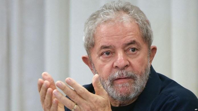 Defesa recorre contra retirada de benefícios de Lula