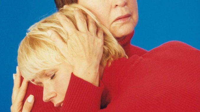 No Dia das Mães, Xuxa faz homenagem a Dona Alda