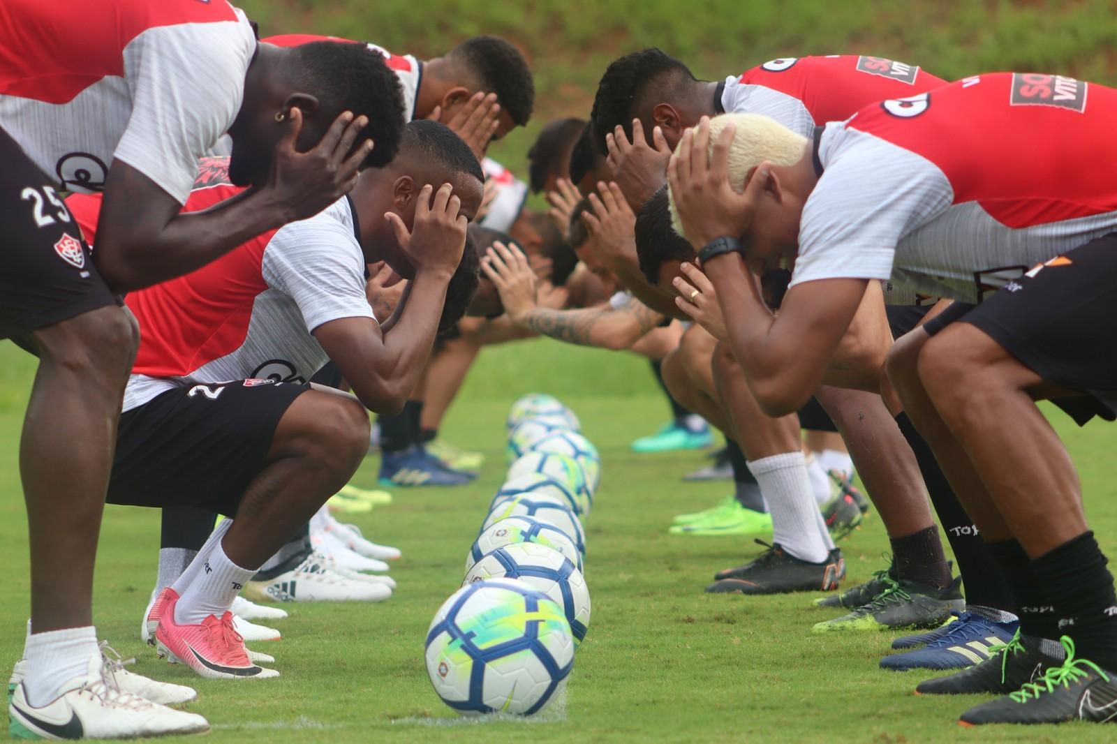 Vitória enfrenta o Corinthians focado em se distanciar do Z-4