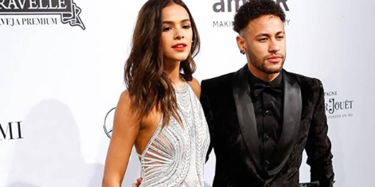 """Bruna Marquezine posta mensagem de apoio a Neymar: """"jogou muito"""""""