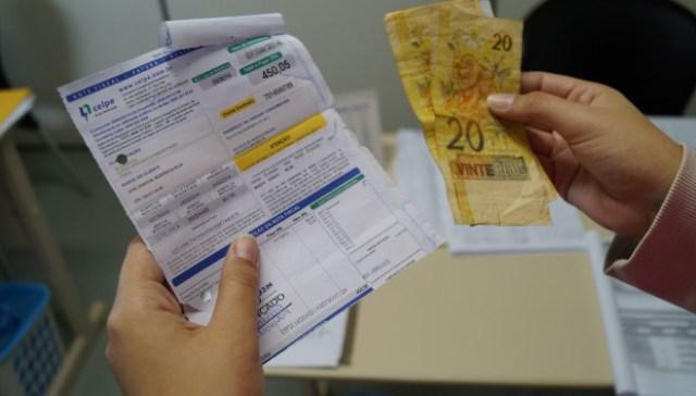 Coelba é notificada sobre a falta de locais para pagamento de conta