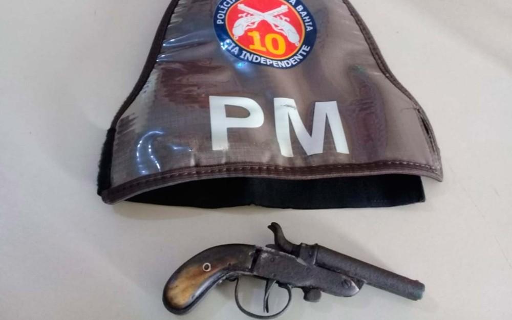 Adolescente de 13 anos é apreendido com arma dentro de escola municipal