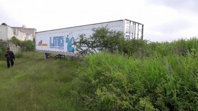Resultado de imagem para Polícia mexicana encontra caminhão abandonado com 150 corpos