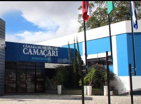 Quem está falando a verdade? vereadores divergem sobre reeleição na Câmara de Camaçari