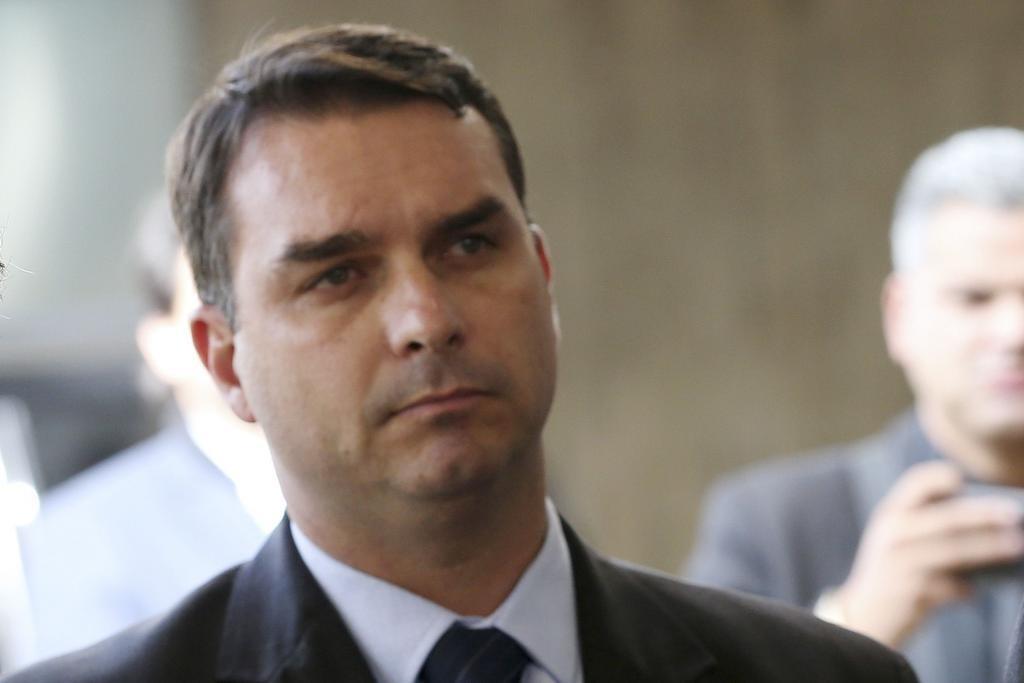 Marco Aurélio nega pedido de Flávio Bolsonaro para suspender investigação