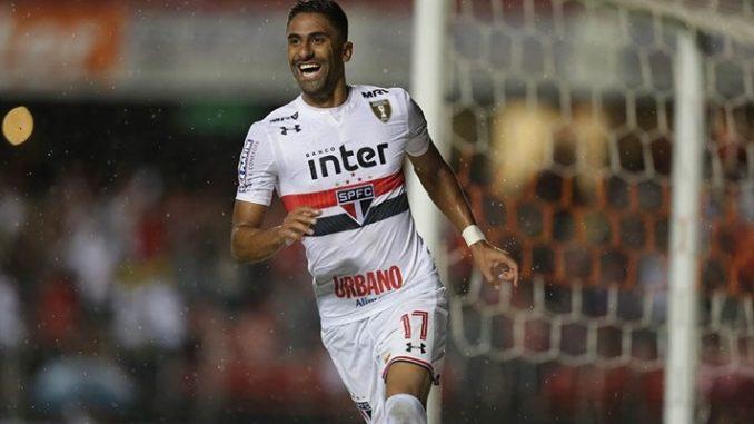 Especulado no Bahia, atacante também é alvo de outros clubes da Série A