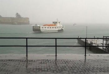 Tempo chuvoso suspende a travessia Salvador – Mar Grande temporariamente