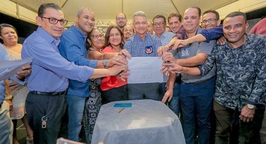 Prefeito Dinha assina Ordem de Serviço do Colégio Padre Luiz Palmeira