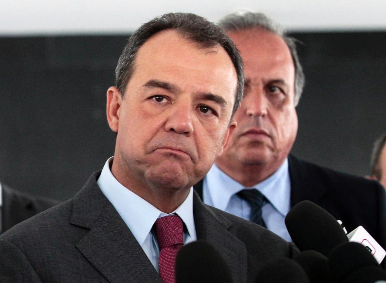 Sérgio Cabral admite ter recebido propina de cervejaria