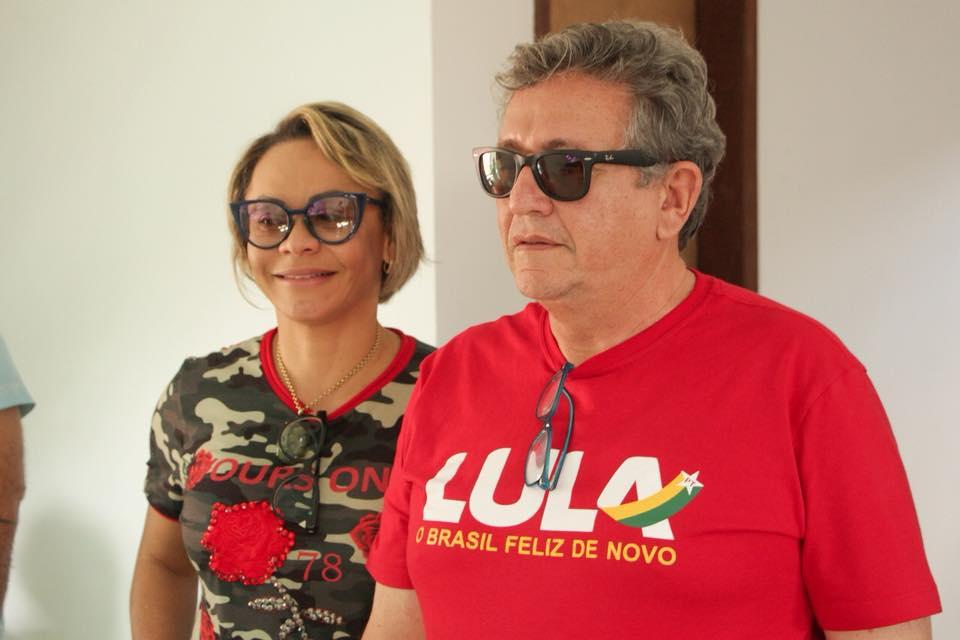 Ivoneide Caetano tem cargo de R$ 4 mil no gabinete de Wagner