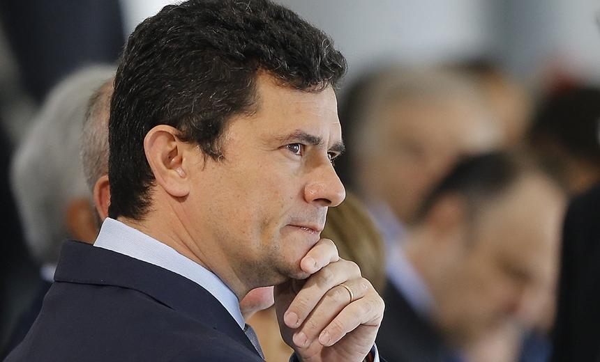 Câmara aprova convite para Moro prestar esclarecimento sobre mensagens vazadas