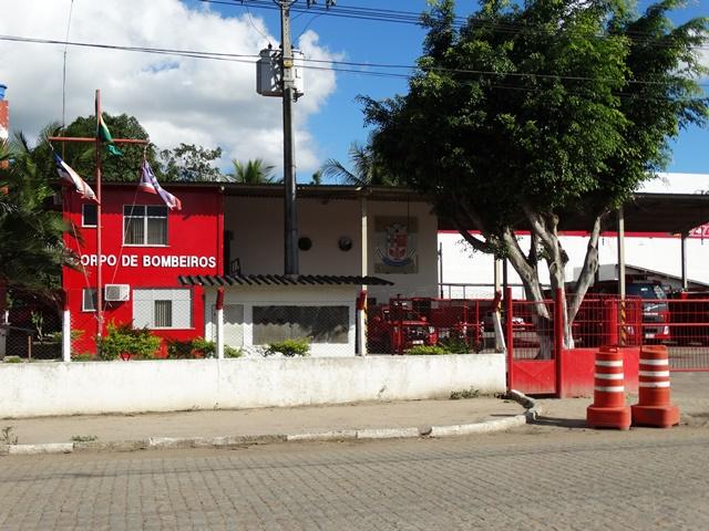 Bombeiro morre após colisão entre moto e cavalo na BR-116, no interior da Bahia
