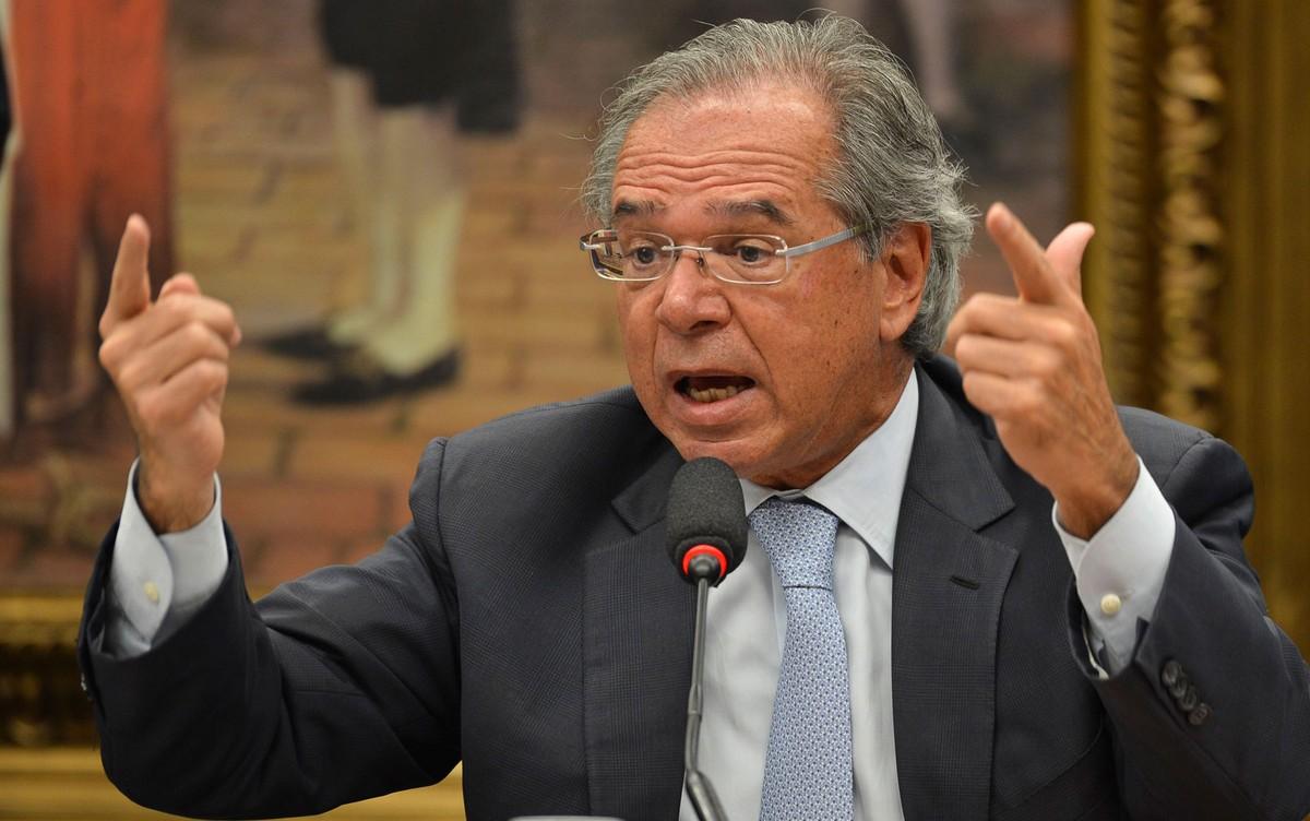 'Ninguém é obrigado a continuar como ministro', dispara Bolsonaro após fala Guedes
