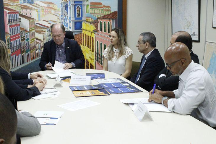 Três empresas vão investir R$ 44,5 milhões em Salvador e Simões Filho
