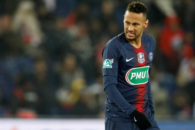 Em caso de boas propostas, PSG aceita negociar Neymar, diz jornal francês