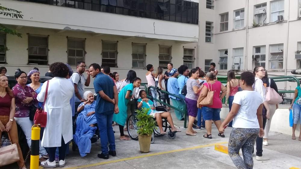 Incêndio atinge Hospital das Clínicas, em Salvador
