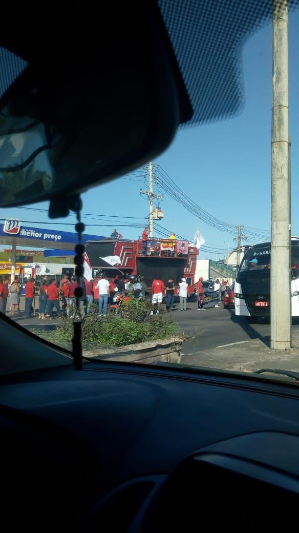 Greve Geral: manifestantes iniciam protesto em Lauro de Freitas