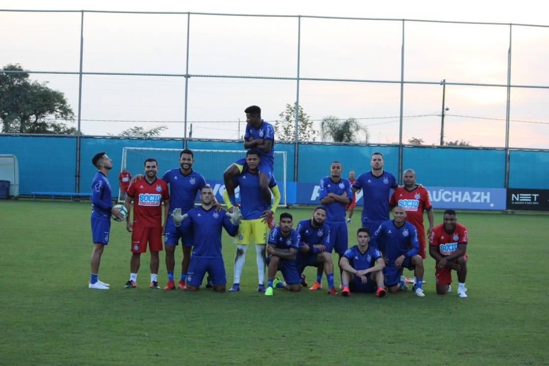 Brigando no grupo de cima, Bahia tem confronto direto contra o Inter no Beira Rio