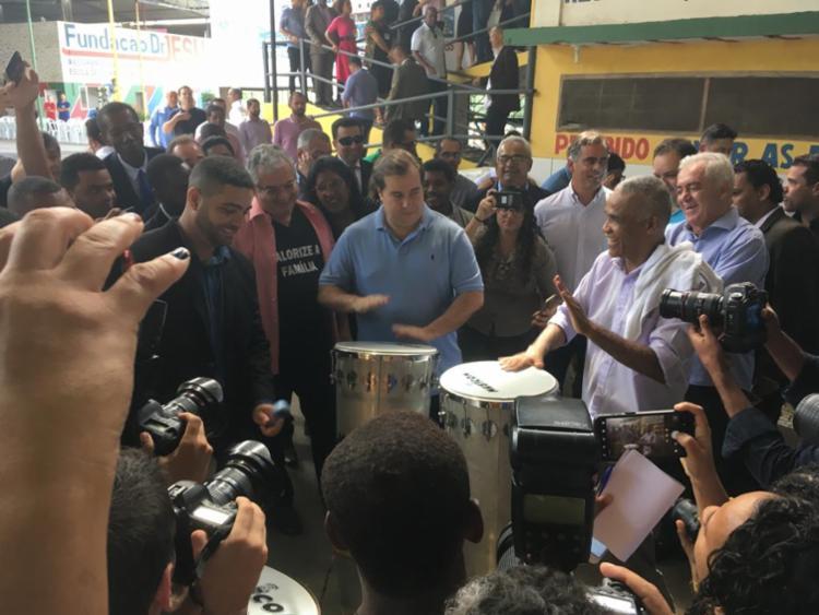 Rodrigo Maia visita Fundação Doutor Jesus de Sargento Isidório