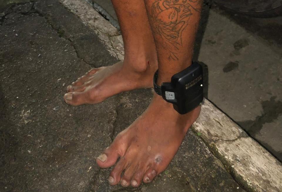 Criminoso monitorado por tornozeleira é capturado com drogas em Madre de Deus