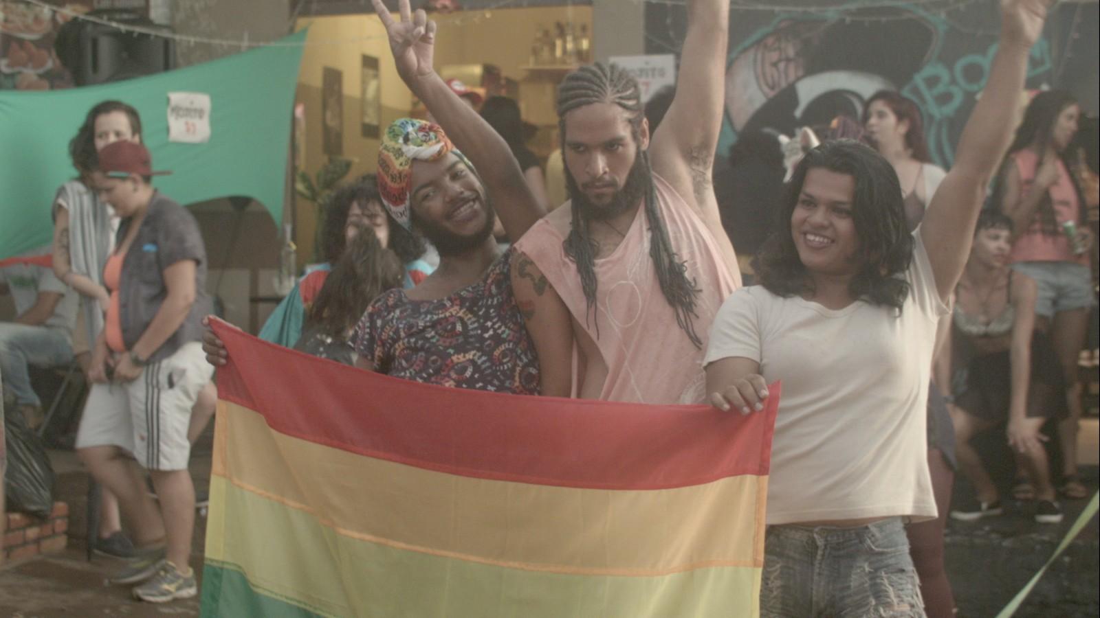 Após críticas de Bolsonaro, edital com séries de temas LGBT é suspenso