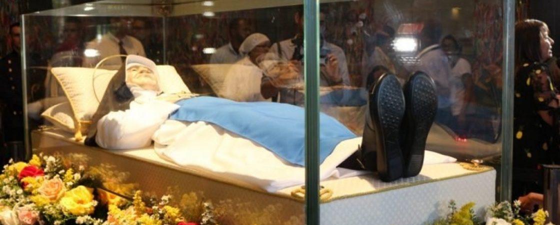 Papa Francisco receberá parte do corpo de Irmã Dulce