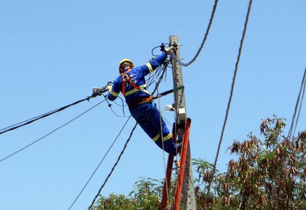 Desligamento de energia acontece neste fim de semana em localidades de Camaçari