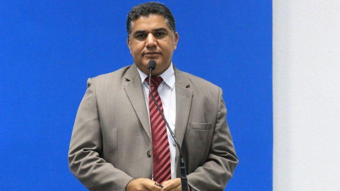 Camaçari: Antonio Carlos Soares diz que jamais aceitaria Oziel como vice