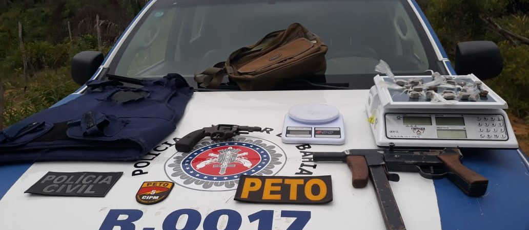 Polícia apreende submetralhadora, revolver e coletes na Ilha de Vera Cruz