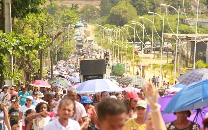 Caminhada em homenagem à Santa Dulce dos Pobres reúne romeiros de Candeias e região