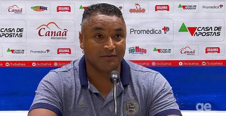 """Roger Machado lamenta chances perdidas contra o Fluminense: """"A bola pune, não aceita desaforo"""""""
